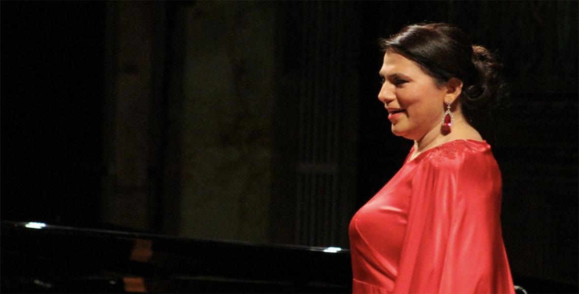 Celebra la soprano veracruzana Olivia Gorra 30 años de carrera ... 2054667511d